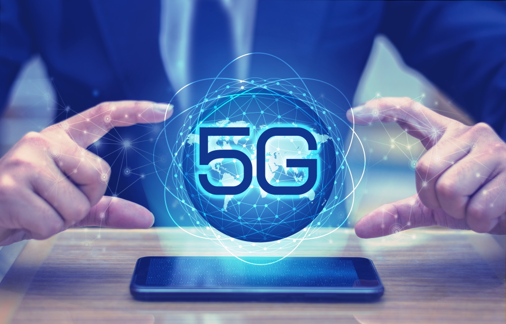 5G Core, Network Slicing, Edge computing and new use-cases.
